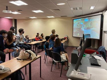 Esports DUEGS students gaming on big screen