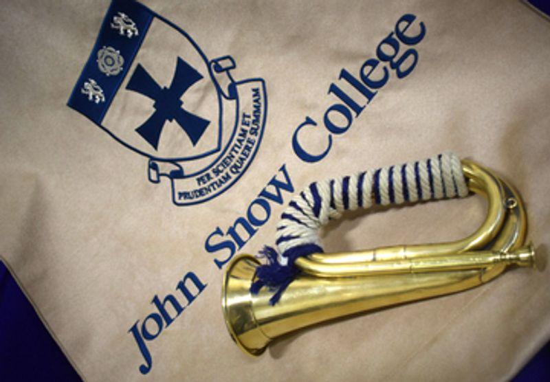 John Snow bugel