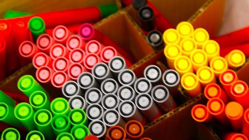Box of colouring pens