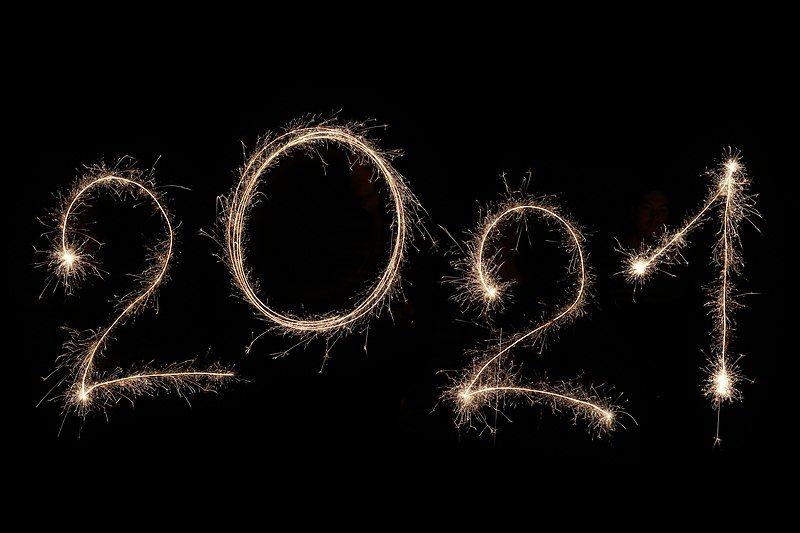 2021 spelt out in sparkling lights