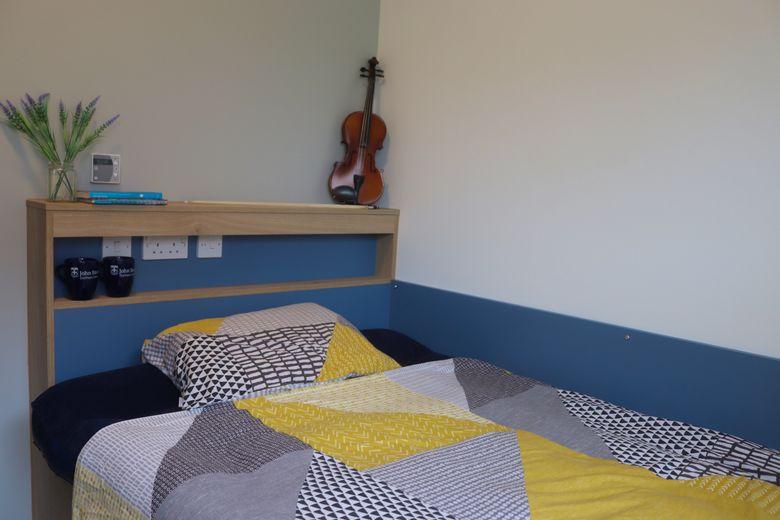 John Snow College Accommodation Bedroom