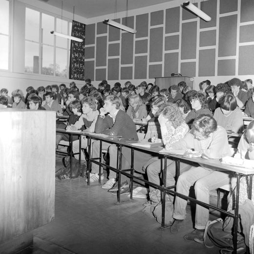 Lecture in W309 in 1981 with Ian Simmons