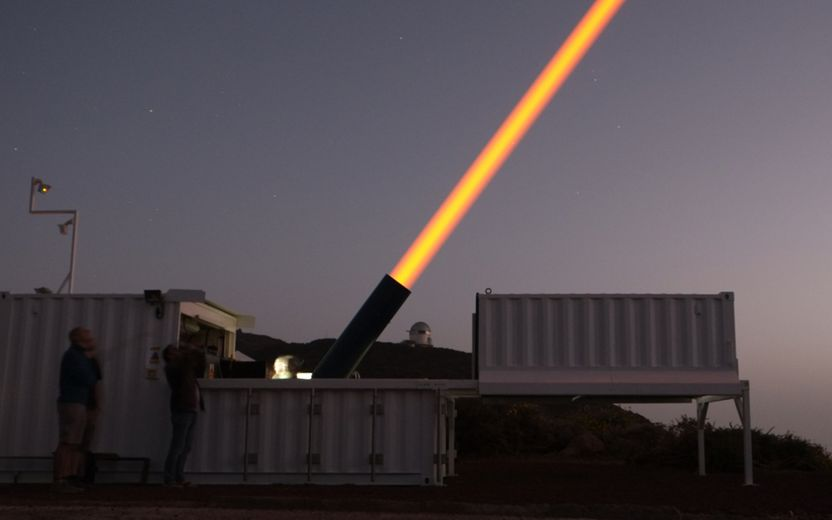 Image of the transportable Wendelstein sodium laser guide star unit in its new enclosure just after sunset